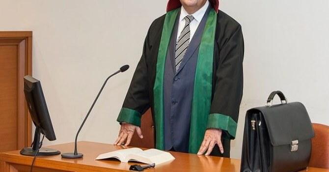 Türkiye'de En Çok Para Kazandıran Meslekler Avukat